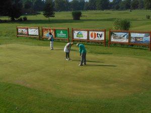 golf course advertising