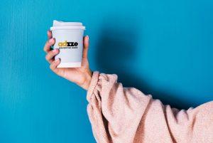 Cofee sleeve_hands