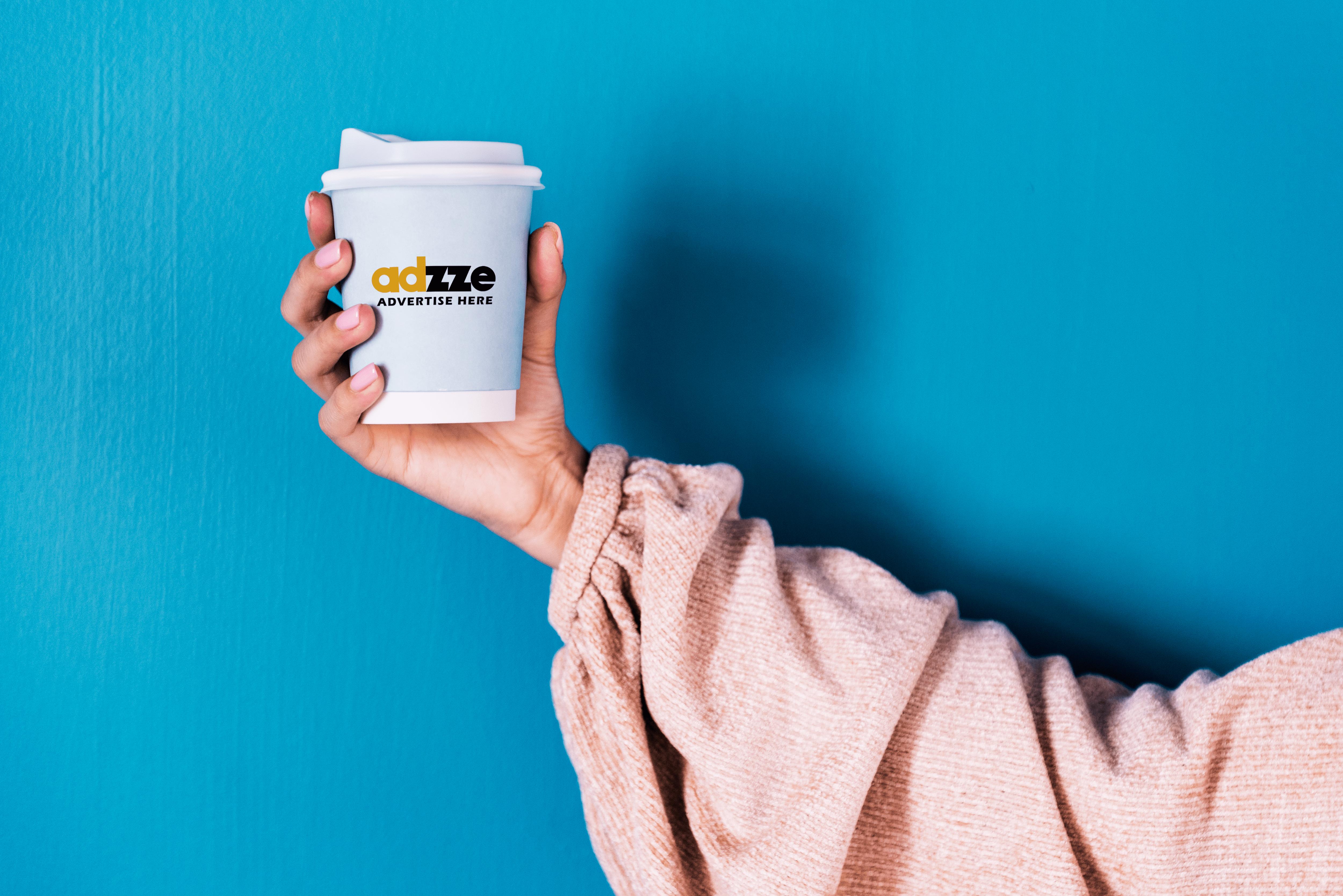 Coffee sleeve_in-Hand